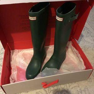 Hunter Tall Rain Boots AND Boot Socks